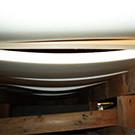 重みで沈み隙間のできた床下の断熱材
